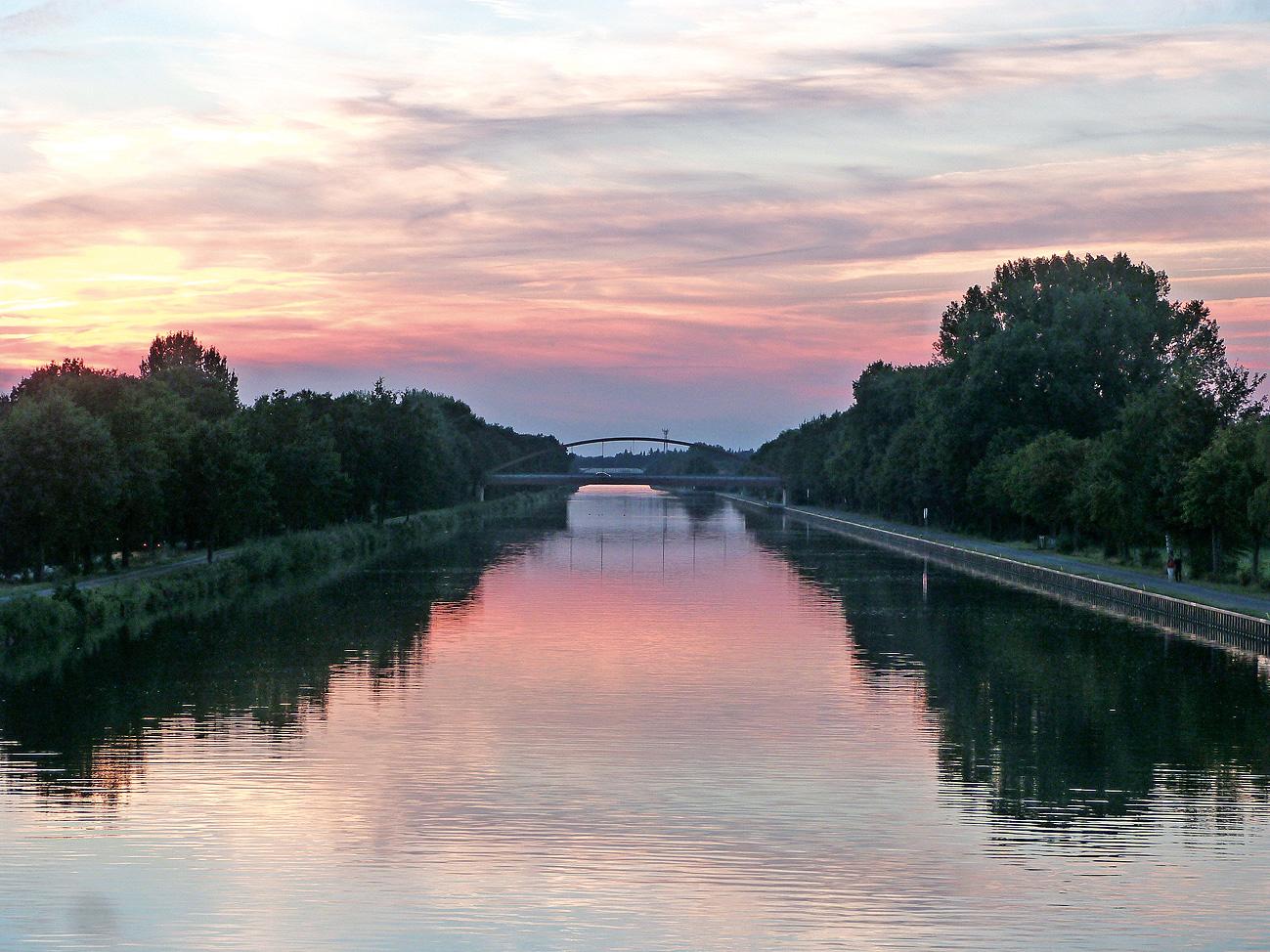 Malerischer Mittellandkanal bei Seelze