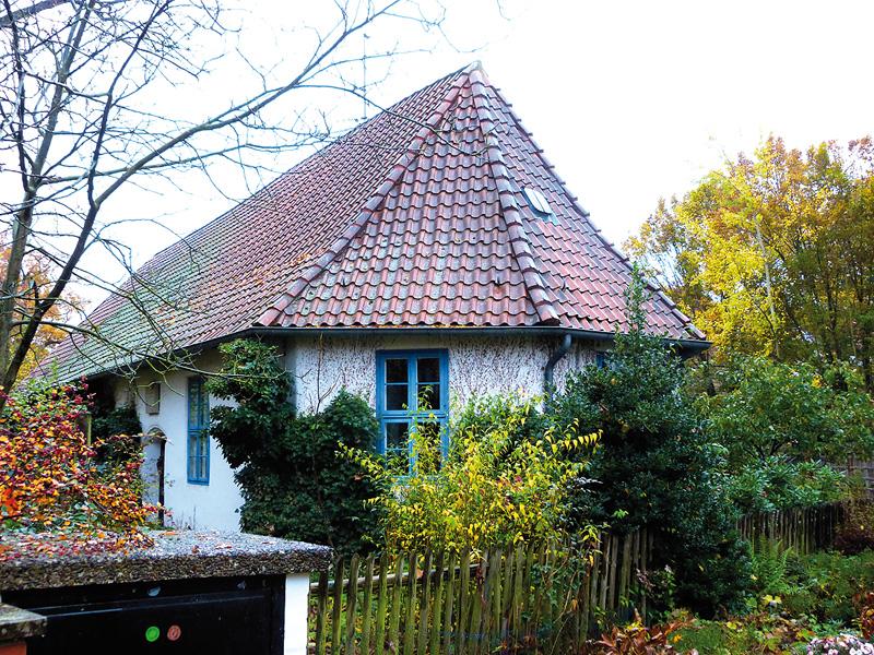 Heute Wohnhaus - früher Kapelle und Schulgebäude