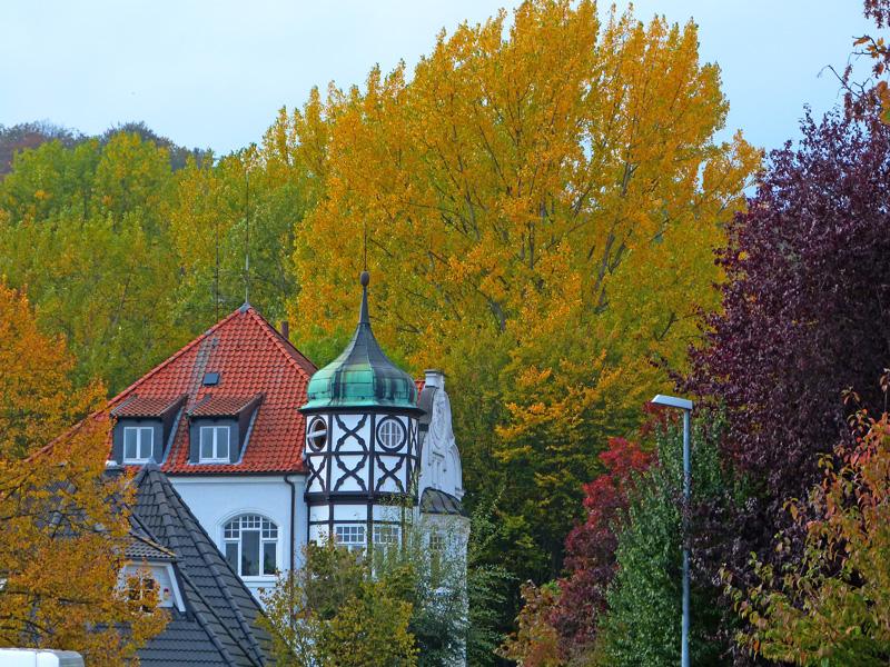 In Benthe - Herbstzauber und schöne alte Gebäude