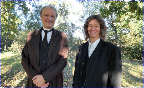 Rainer Künnecke und Dr. Kerstin Athen als Gästeführer in Kostümen