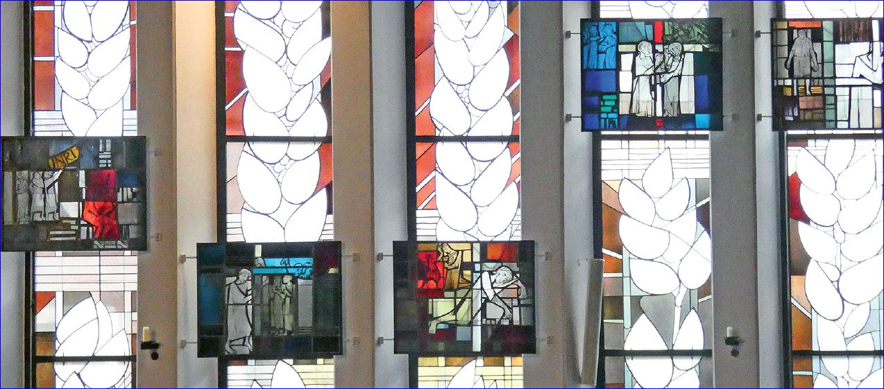 Fenster der kath. Kirche in Burgwedel